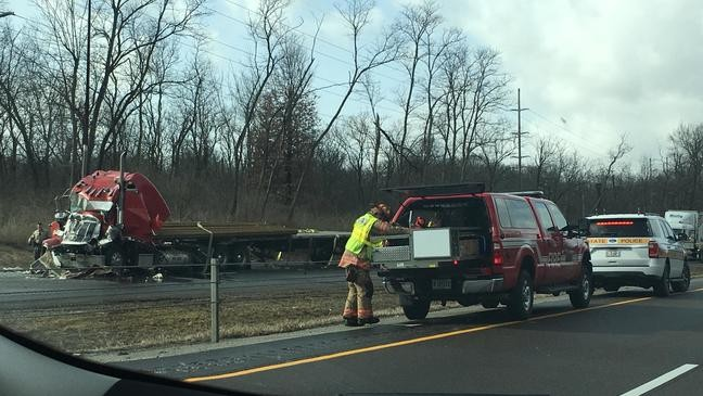 Man injured in I-55 semi wreck expected to recover | WRSP
